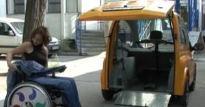 Kenguru, el coche de conducción directa con la silla de ruedas
