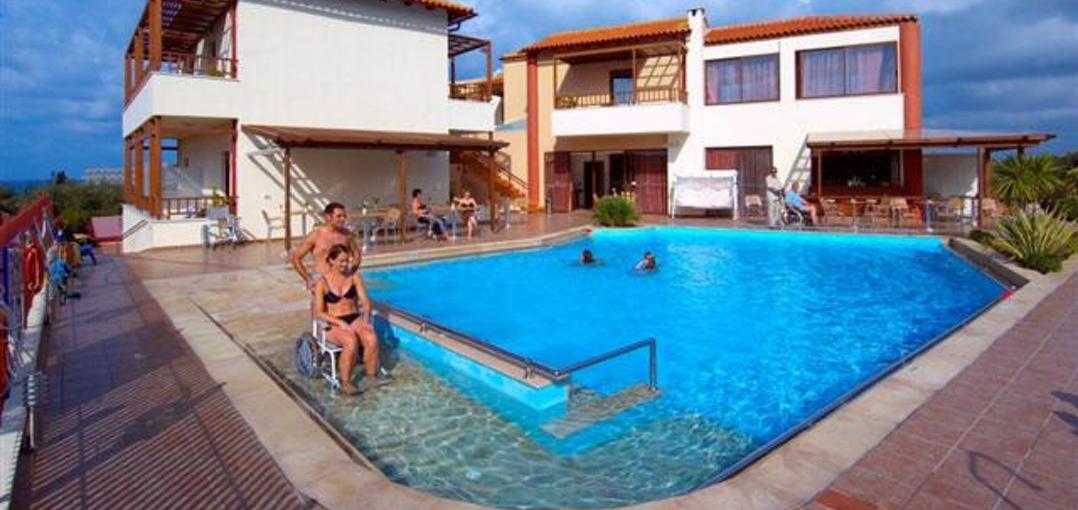 Es obligatorio a partir de 2017 hacer accesible la piscina comunitaria