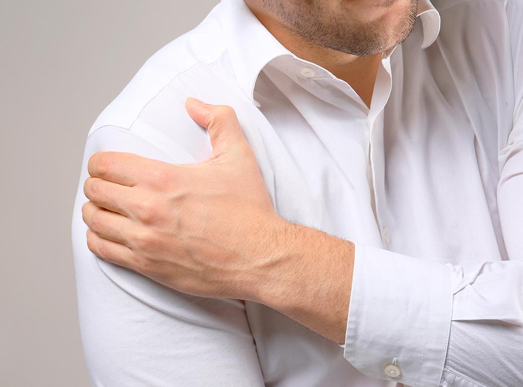 Artrosis de hombro: síntomas y ejercicios para su prevención